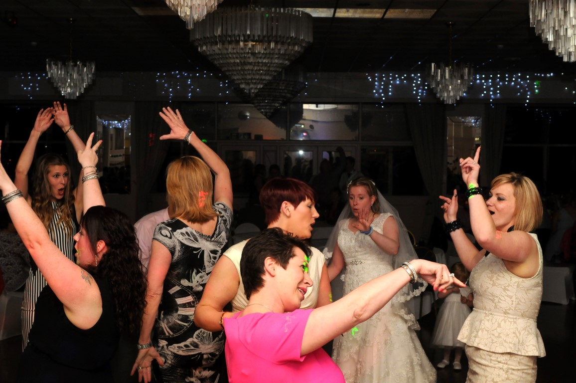 jjdiscoscardiff mobile wedding disco and karaoke cardiff south wales