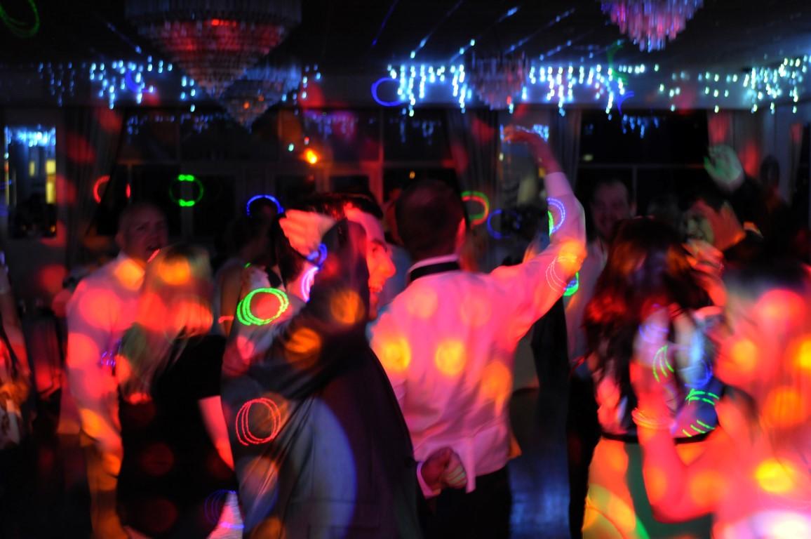 jjdiscoscardiff mobile wedding disco and karaoke cardiff south wales